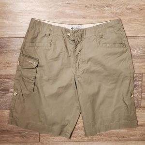 Womens Columbia shorts sz 4